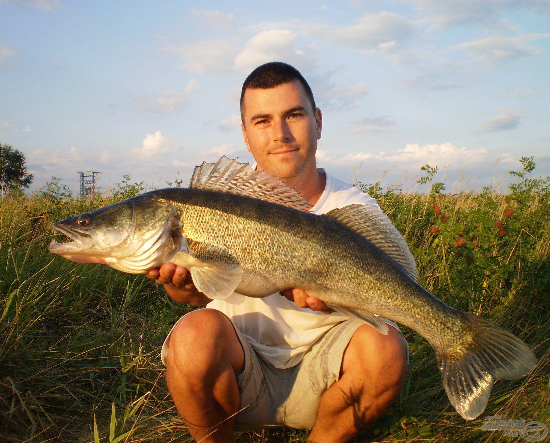 … és ragadozó halakra…
