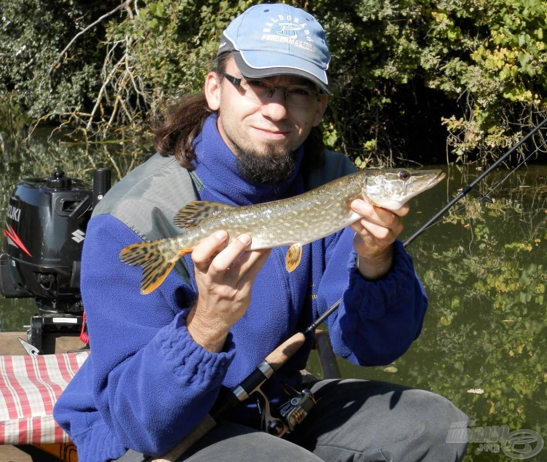 Az erős napsütésben egyre nehezebb volt halat fogni, és a fogott halak mérete is csökkent