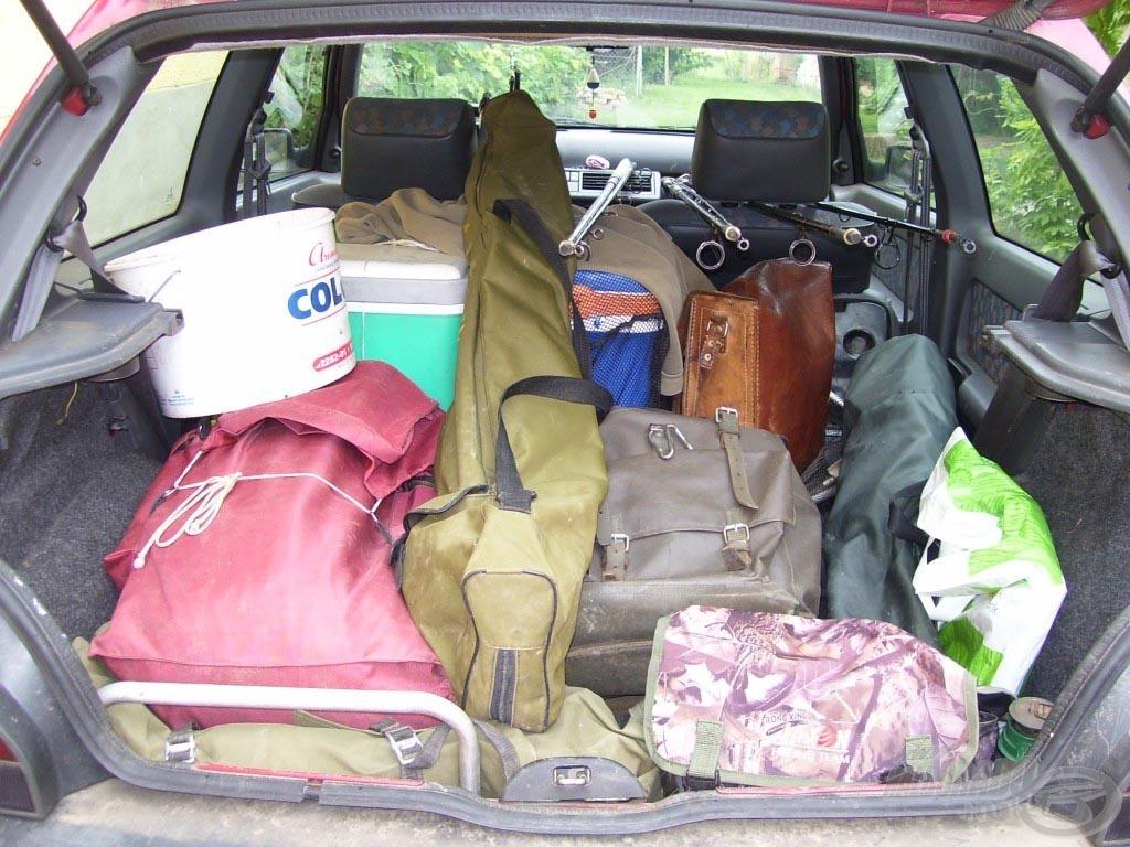 Kicsi kocsim indulásra kész, meg van szegény buggyantva rendesen