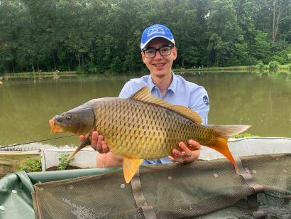 A hácsi gyöngyszem – Horgászat a Tölgyes Horgásztavon