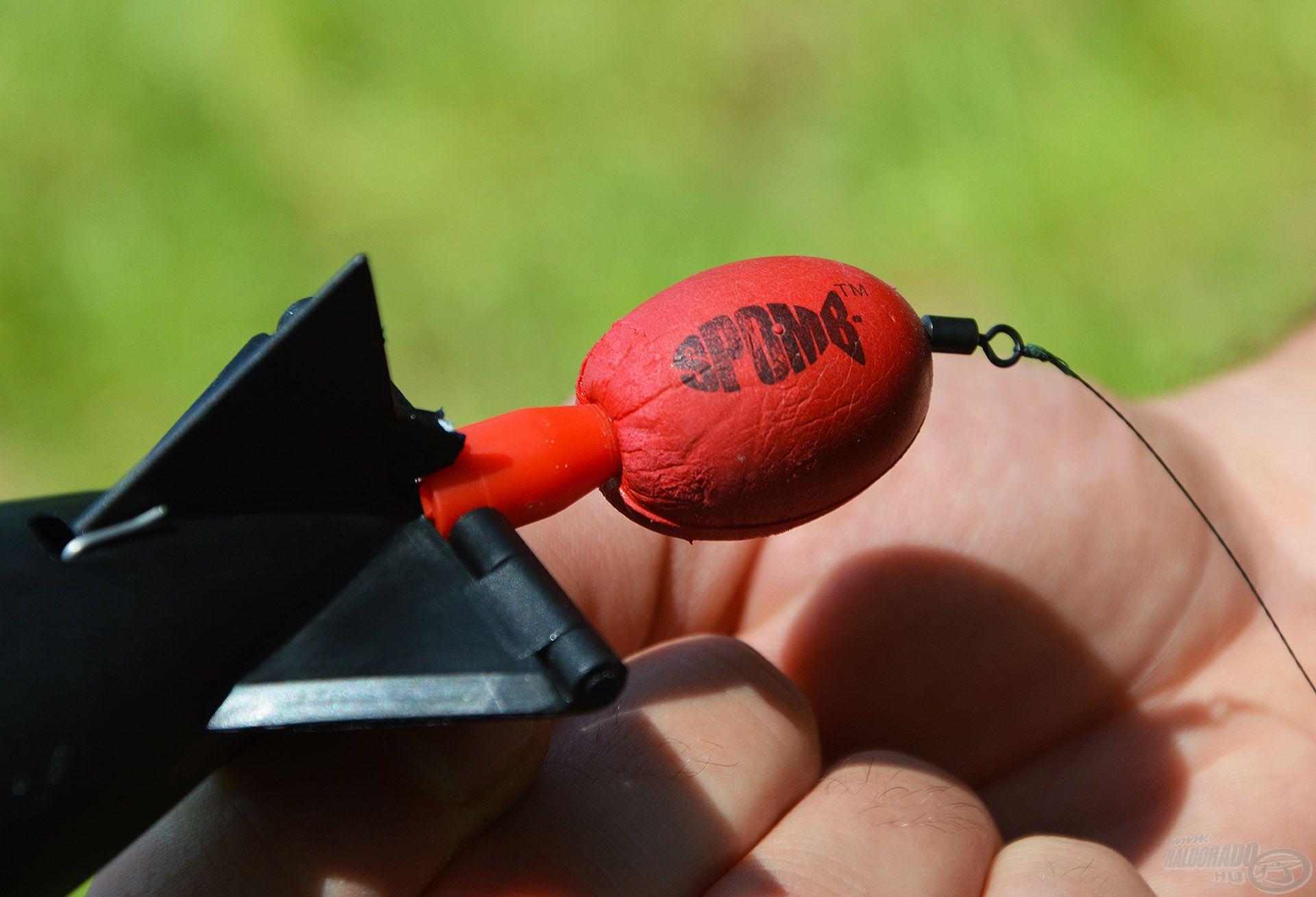 Rendkívül hasznos kiegészítő a Spomb hátsó szárára húzható lebegtető szivacs