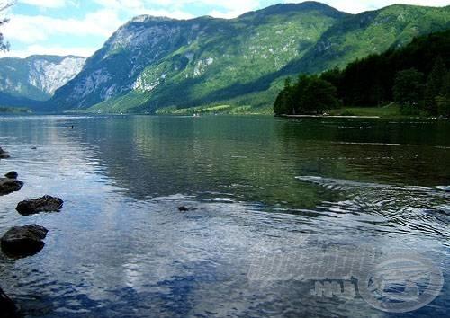 Innen, a Bohinjsko tóból ered útjára a folyó