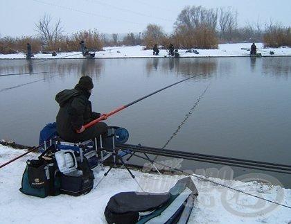 Téli pontyhorgászatoknál is csak a legszükségesebb kiegészítőket szereljük fel
