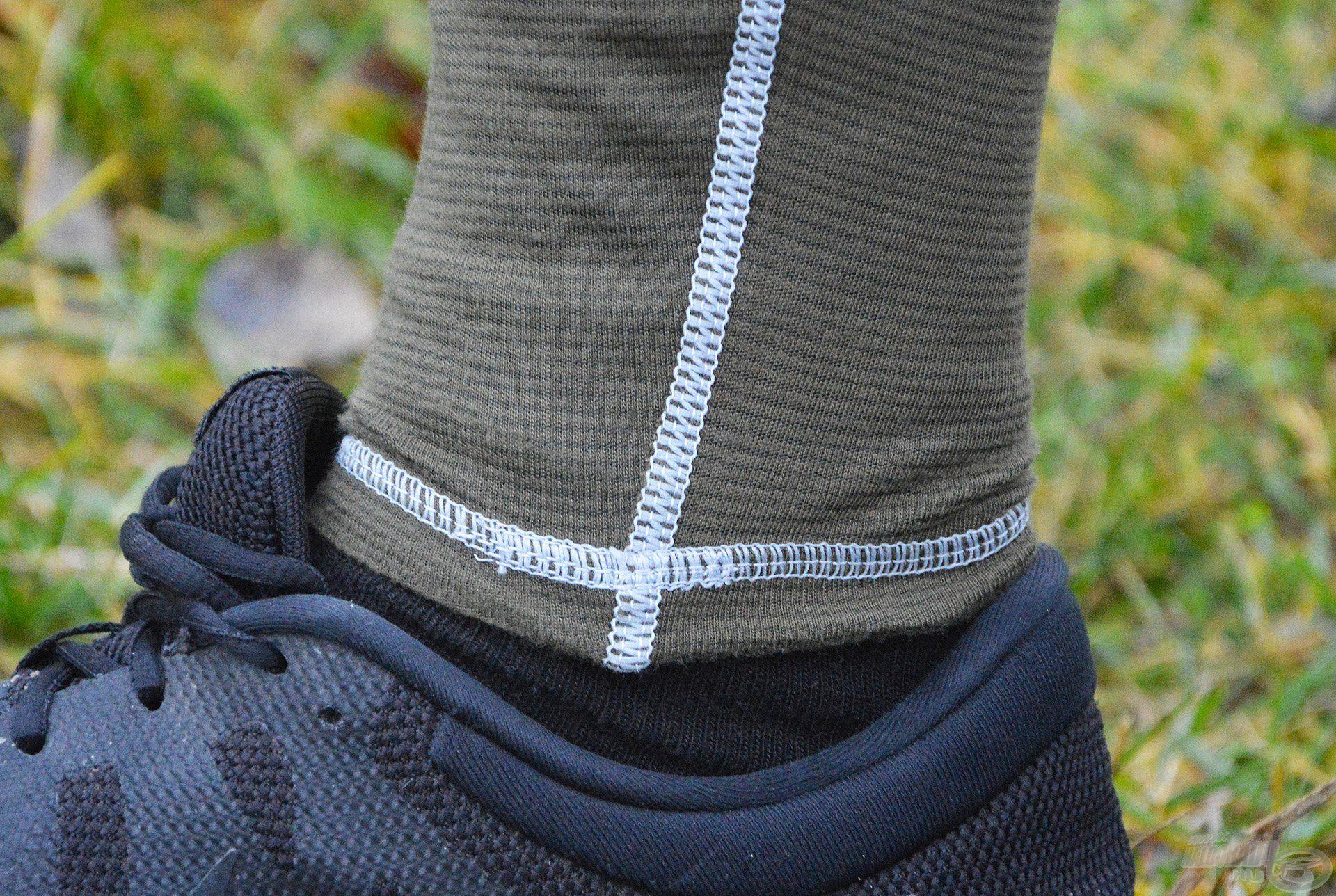 Az alsó hossza is tökéletes, pontosan addig ér, ameddig kell, illetve eléggé passzentos, így meggátolja, hogy a hideg szellő befújjon a bokánkhoz!