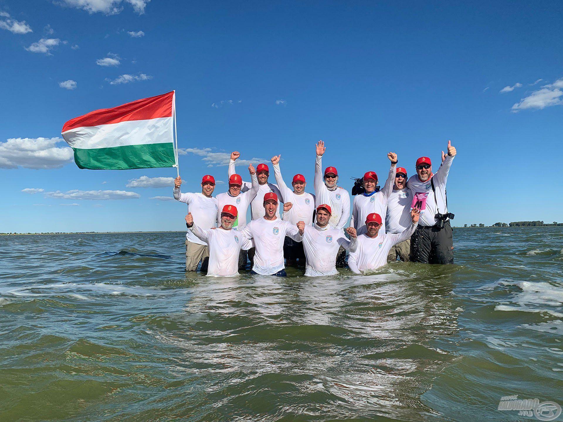 Döme Gábor és Sipos Gábor fantasztikus versenyeredményeire a 2019-es év tette fel a koronát, hiszen a magyar nemzeti válogatottal a dobogó legfelsőbb fokára állhattak, a Dél-afrikai Köztársaságban megrendezett IX. Feeder Horgász Világbajnokságon