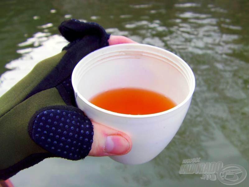 Jólesett a forró tea