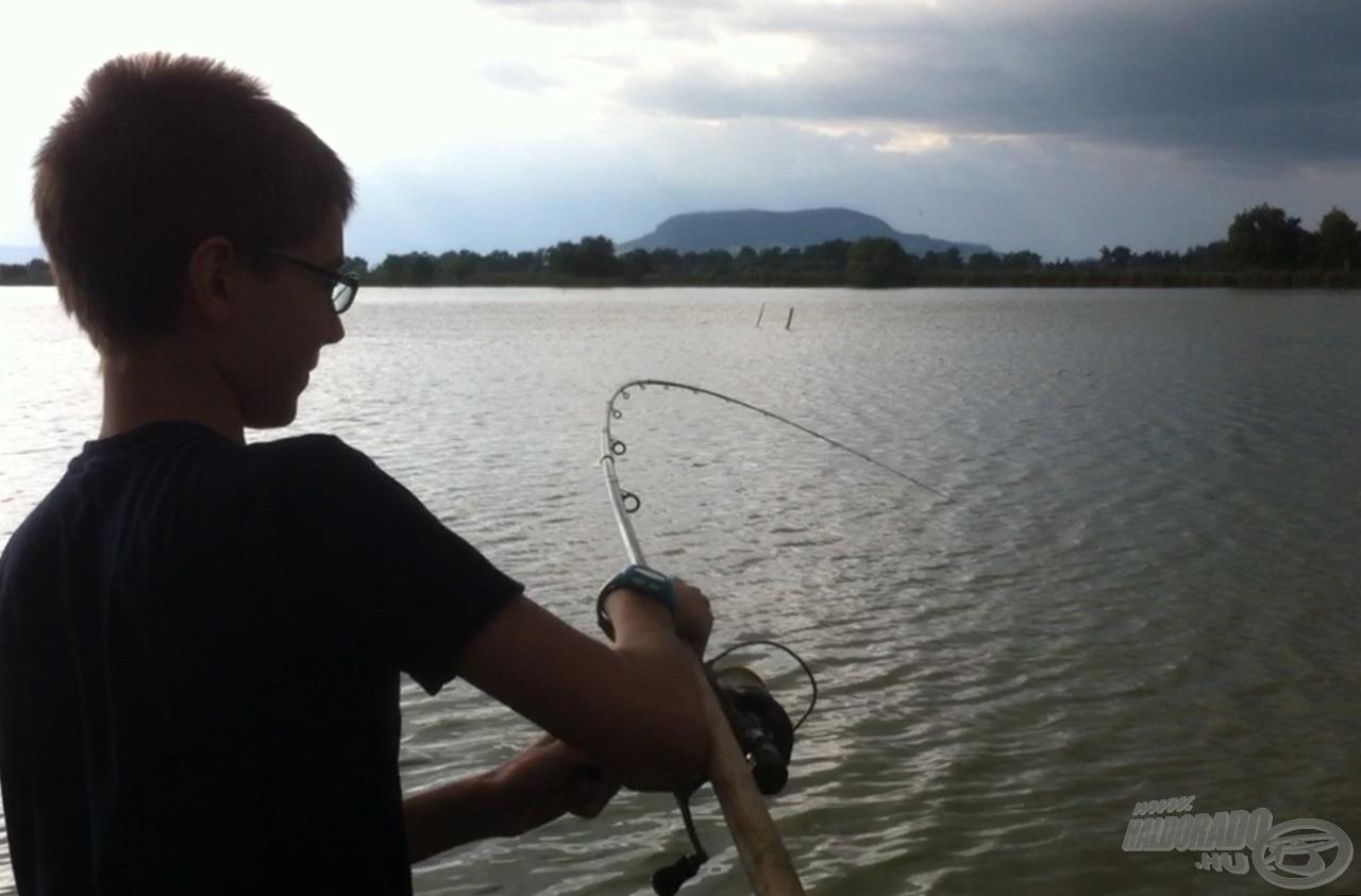 Élvezetes perceket okoz egy-egy termetes hal fárasztása