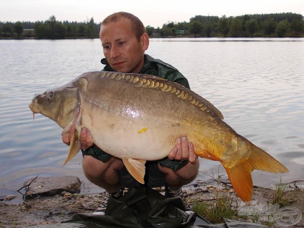 A tó utolsó ajándéka egy 9,1 kg-os tükörponty