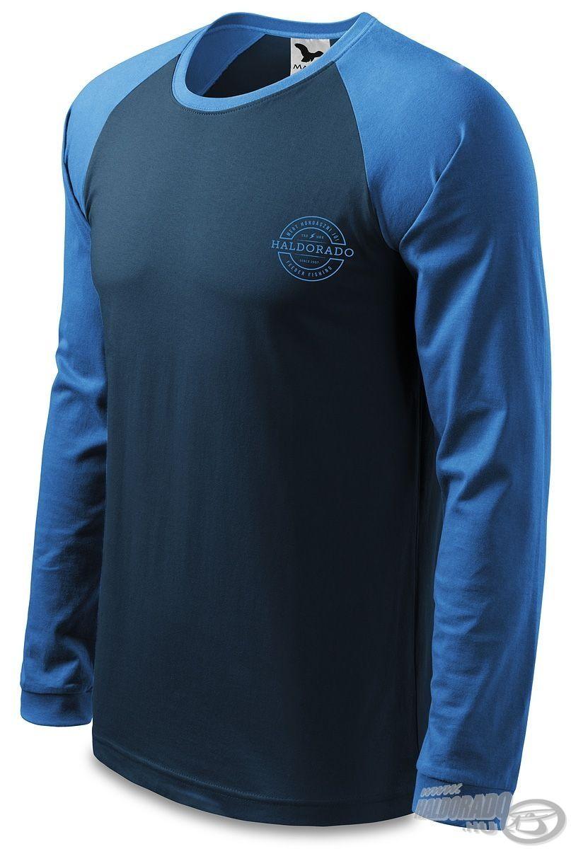 A ruha elsődleges ismérve a tengerészkék színű dizájn