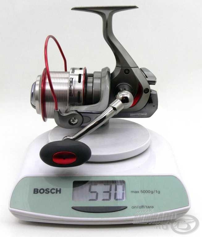 Megkérdőjelezhetetlen, hogy az orsóban van anyag, súlya mégis a bűvös - feederezők által elvárt - 500 grammos határ körül mozog