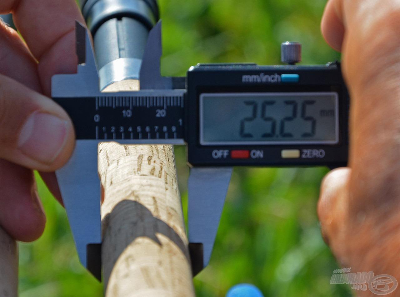 Sokan jelezték, hogy a régi feederbotok nyele túlságosan vaskos, így dorong bot érzetét keltik. Ezt maximálisan figyelembe véve az eddigi 25,25 mm-es átmérőt igyekeztünk sokkal kecsesebbre redukálni…