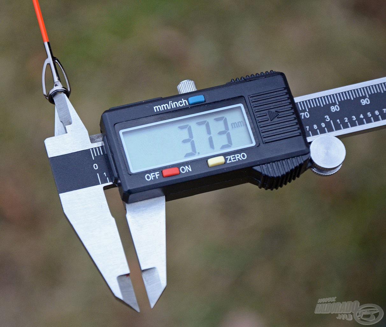 … míg az új botok spiccgyűrűi lényegesen nagyobb, 3,73 mm-es átmérővel rendelkeznek