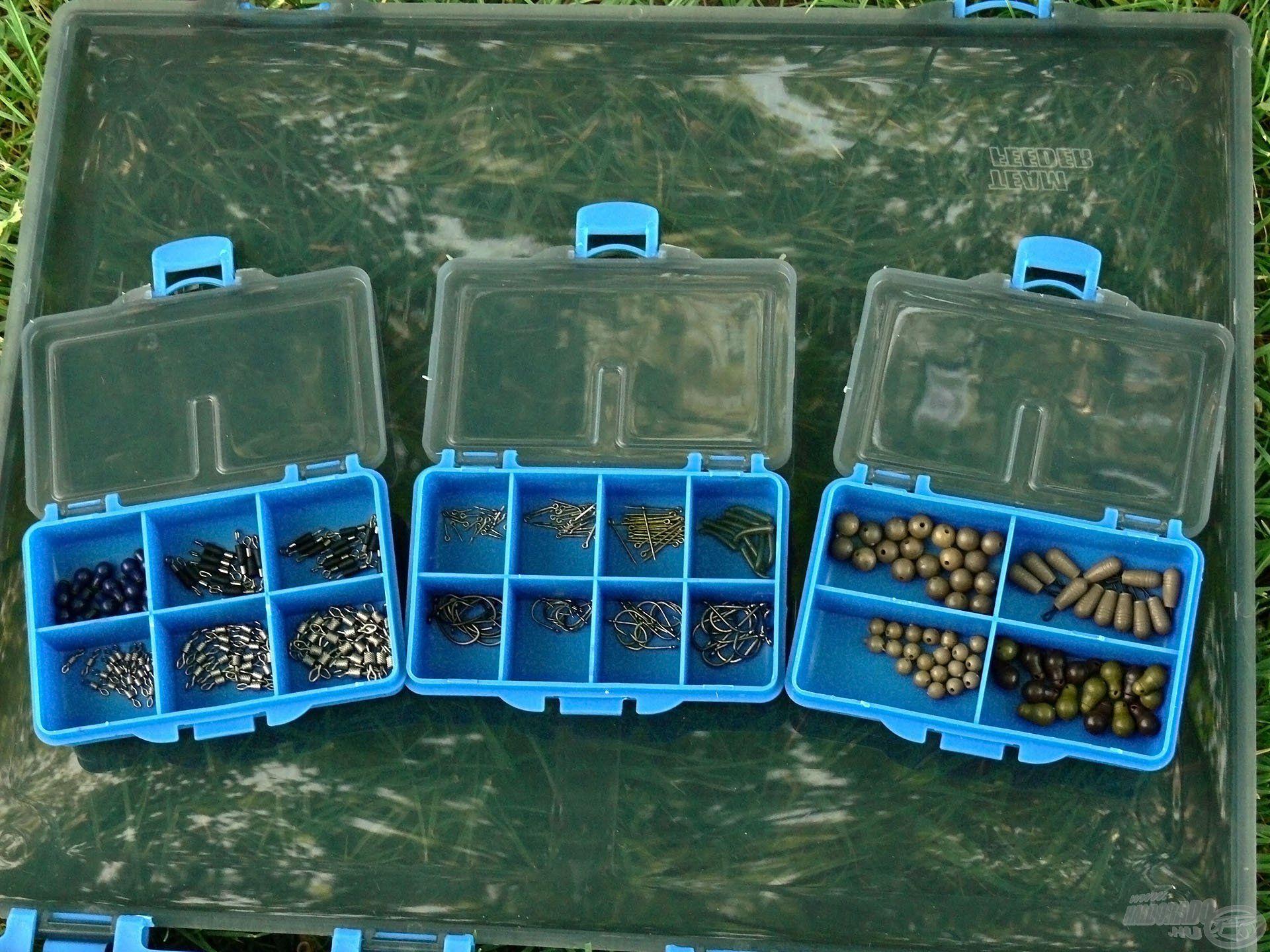 A legapróbb kiegészítőket a 3 darab, különböző osztásban gyártott doboz egyikébe tehetjük