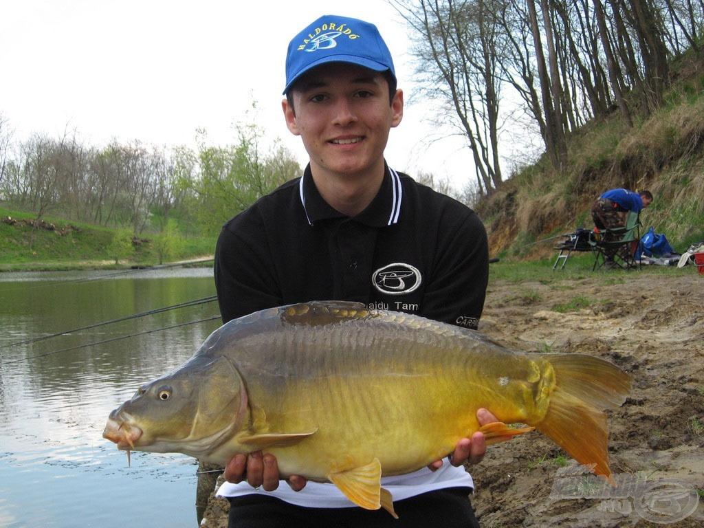A túra legnagyobb, 7,72 kg-os hala gyorsan horogra került…