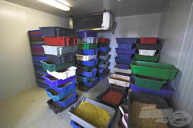 7 külön hűtőterem biztosítja a csali minőségének megőrzését