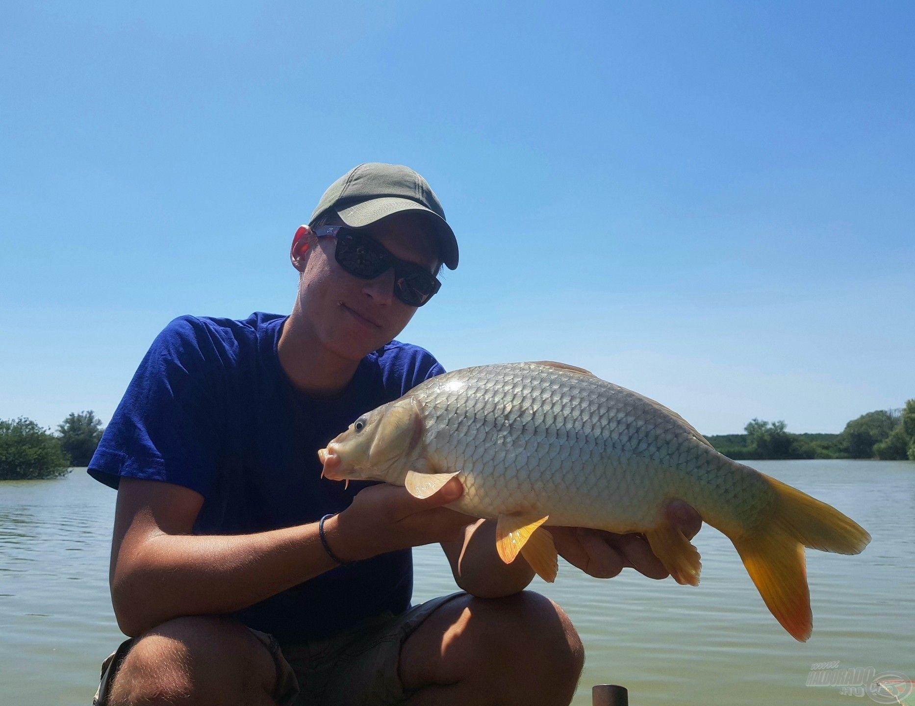 A túra első hala ez szép kis töves volt