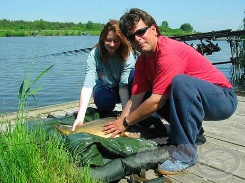 Élettárssal egy csapatban is lehet nagyot horgászni, bizonyította ezt Andrea és Ladányi Tamás a palicsi Tőzeg-tavon a tavaszi EURO Kupán