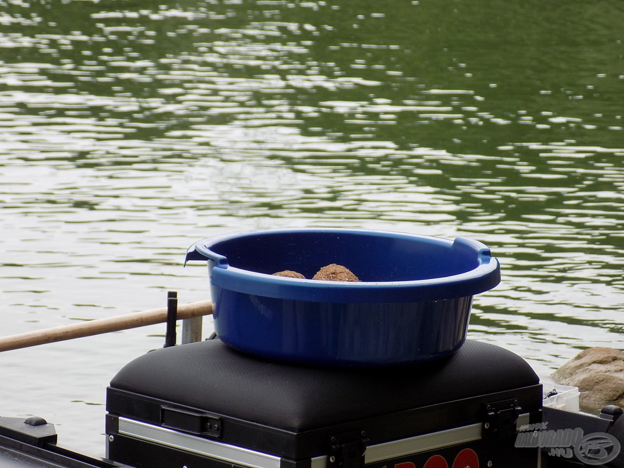 Okos megoldás, mely több funkciót is képes ellátni, illetve betölteni horgászataink során!