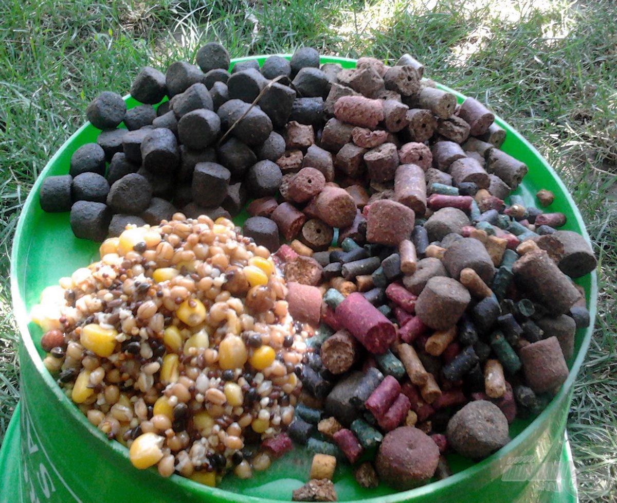 Az etetéshez használt különféle pelletek és magok keveréke