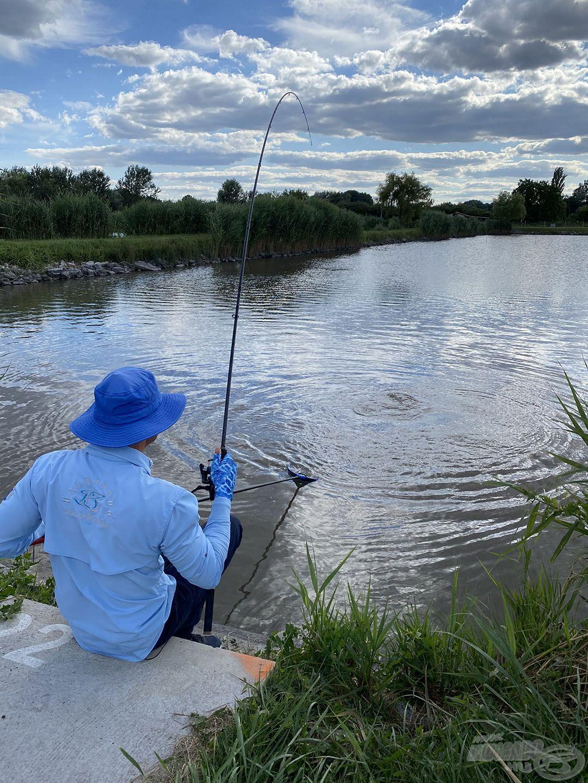 … hatalmas élmény a halak fárasztása!