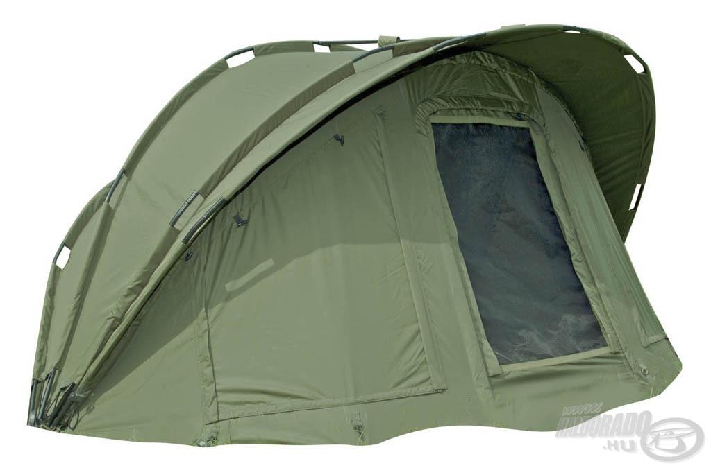 A FOX Eclipse Euro 2,5 Man nagyméretű sátorban 3 ember is elfér kényelmesen a felszerelésekkel együtt!