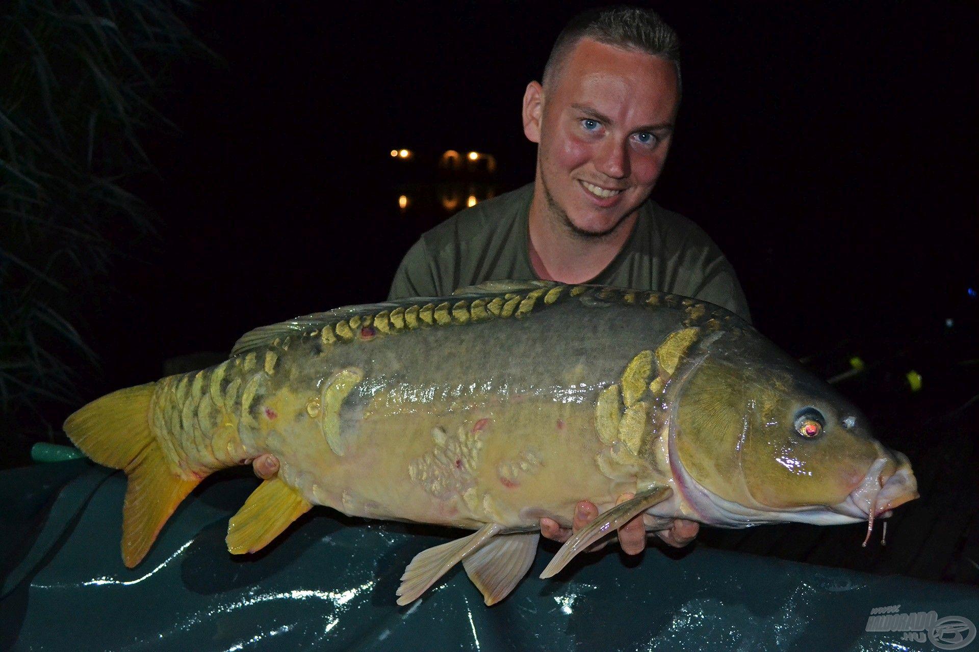 Az ilyen szép halakért érdemes felkelni: 10,80 kg-os, gyönyörű, spanyolmintás tükrös