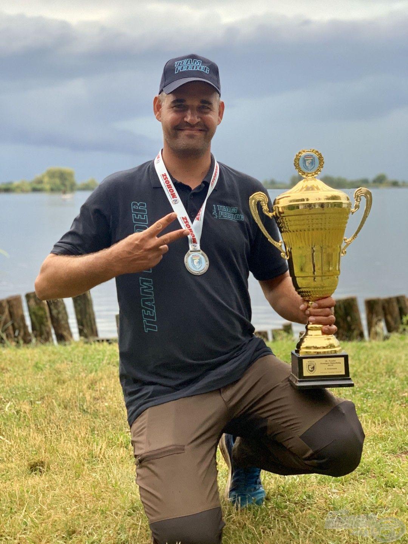 A következő kiemelkedő eredmény, amelyre joggal lehetünk büszkék, az Sipos Gábor Országos Feeder Bajnokságon megszerzett 2. helyezése!