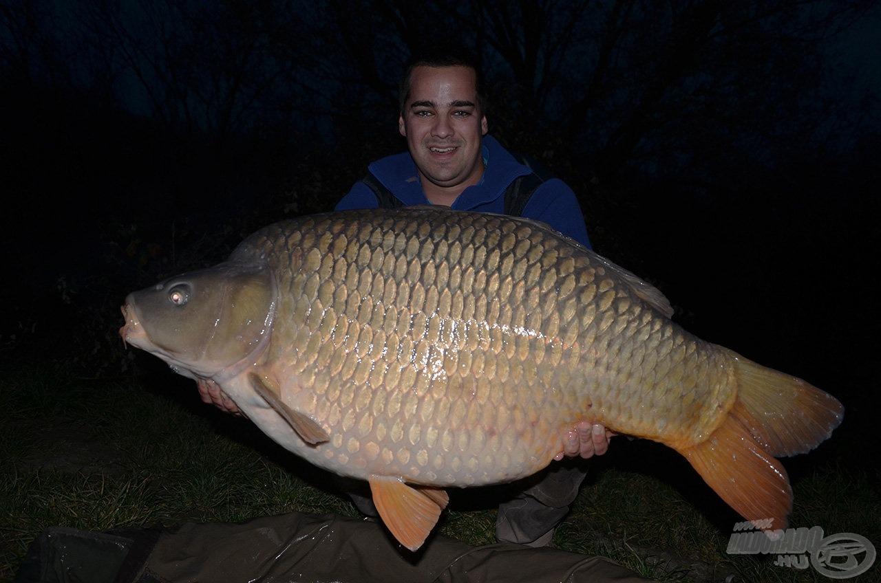 24,18 kg-ot nyomott ez a csodás tőponty. Soha nem fogtam még ekkora halat, miközben nem is sejtettem, hogy mi vár rám néhány óra múlva