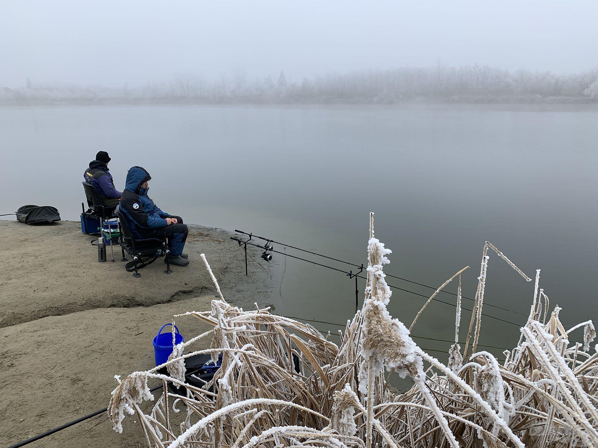 Kapkodásnak, gyakori dobásoknak nincs helye a téli horgászatok során, a sikeres horgászat egyik titka a TÜRELEM