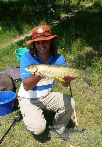 Köszönöm a horgásztársaimnak, hogy segítettek fotózgatni