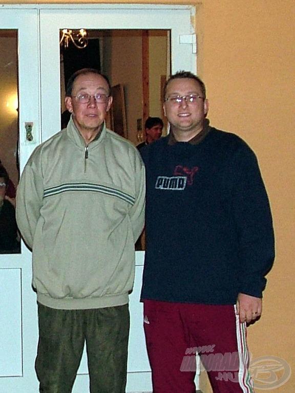 Piotr Konieczny-vel a szállásunk előtt