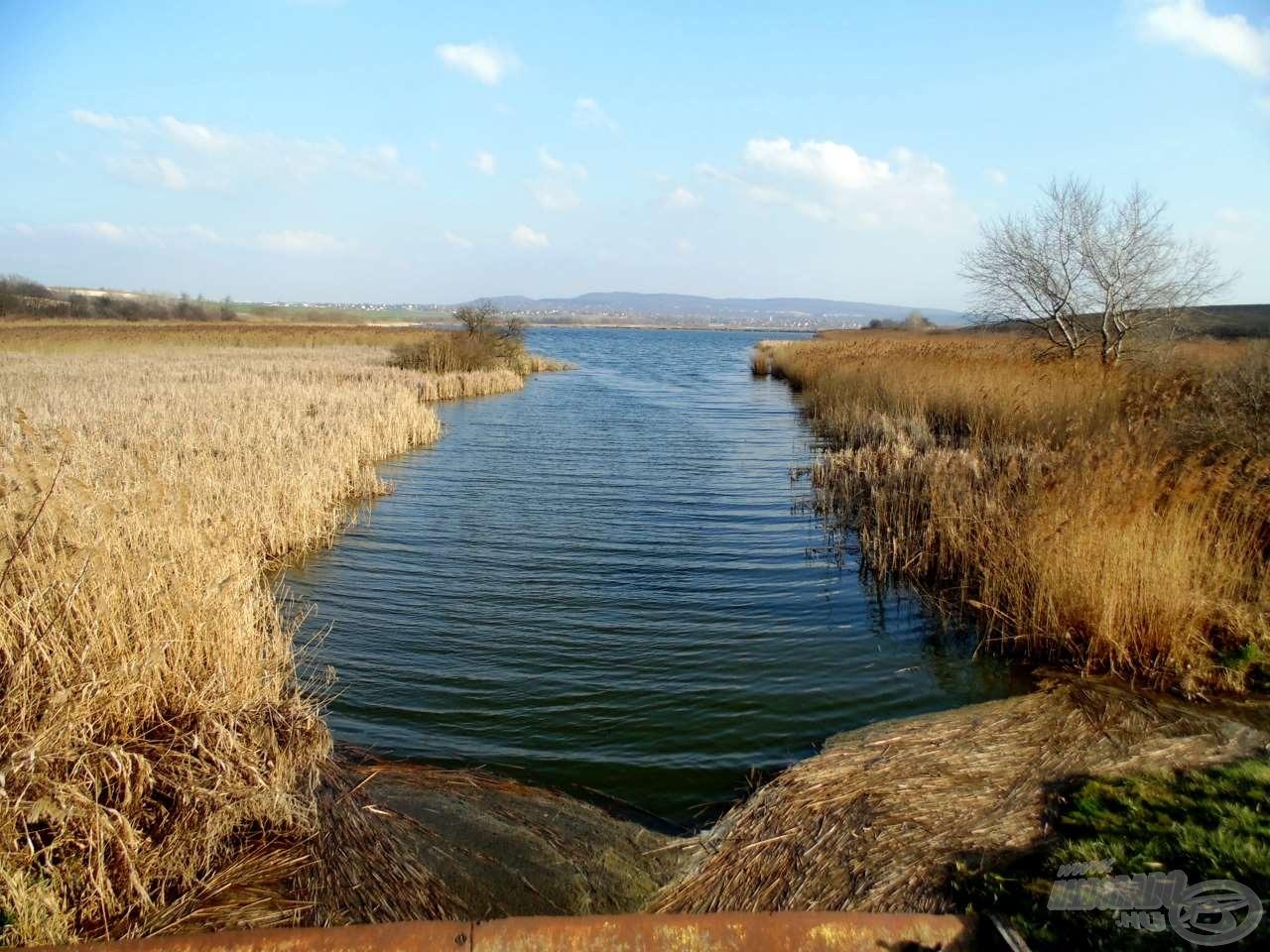 A völgyben több tó is található, igazán szép környezetben