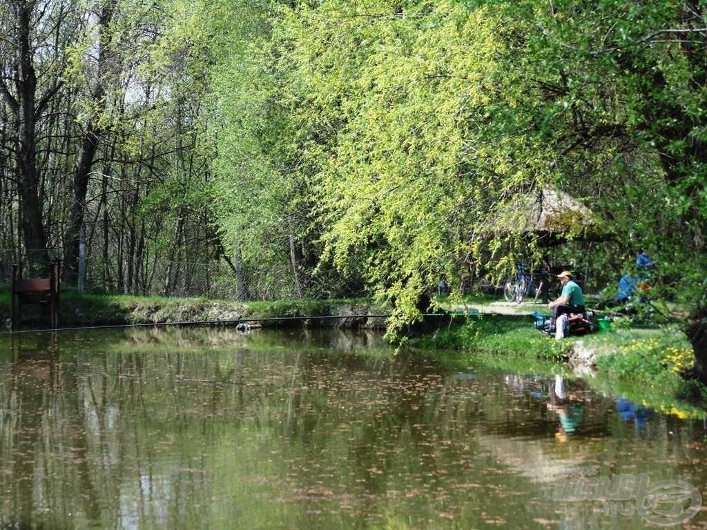 A rakós botos horgászok igazi Mekkája ez a kis víz