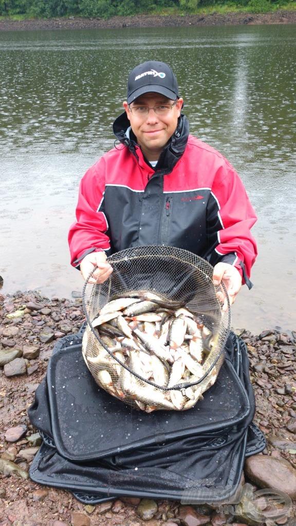 Sivák Mátyás fogta a csapatunk legtöbb halát, számszerint 151 darabot, ami súlyban is a legtöbb volt, 7.758 gramm