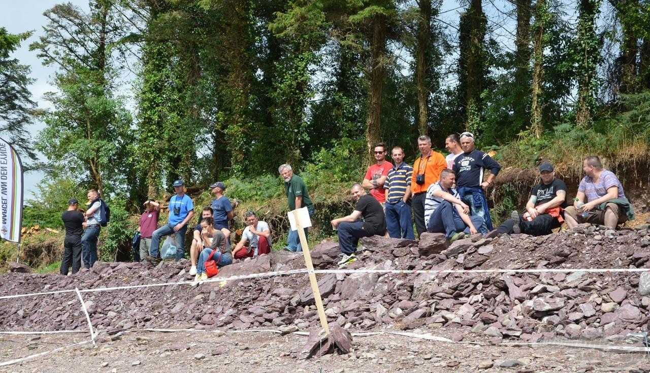 Külön köszönetet szeretnénk mondani azoknak az Írországban élő magyaroknak, akik kilátogattak a versenypályára szurkolni a magyar csapatnak