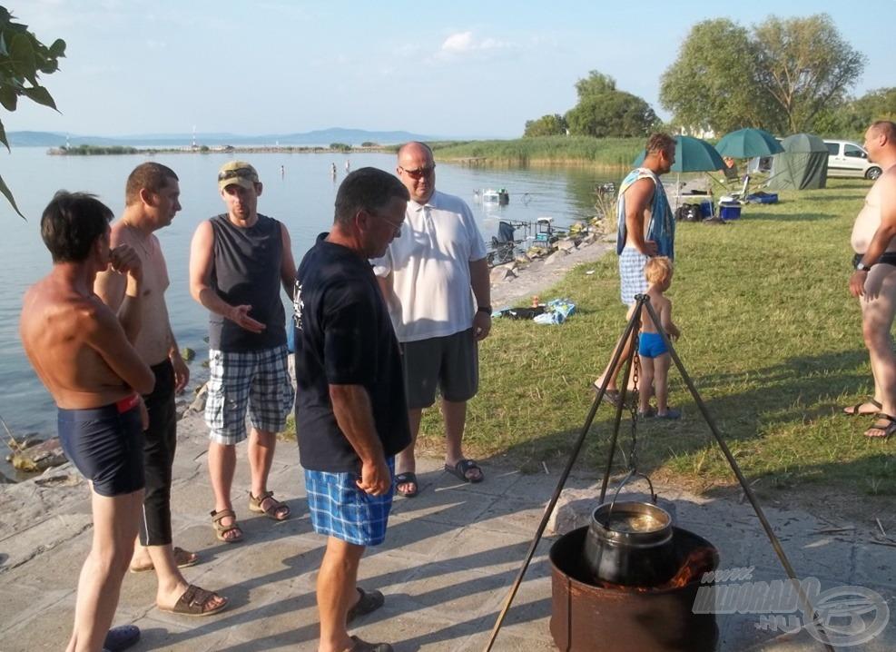 Készül a halászlé