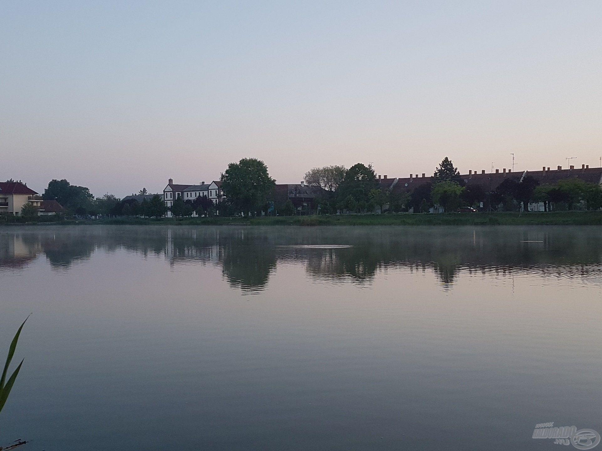 Kora hajnalban érkeztem, a víz felszínén biztató jelek árulkodtak a halak jelenlétéről