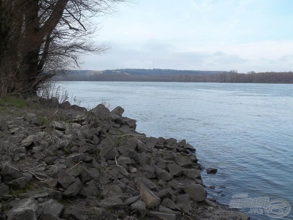 Kicsit borult, kicsit szeles, nagyon árad, de akkor is csak Duna(-part)!