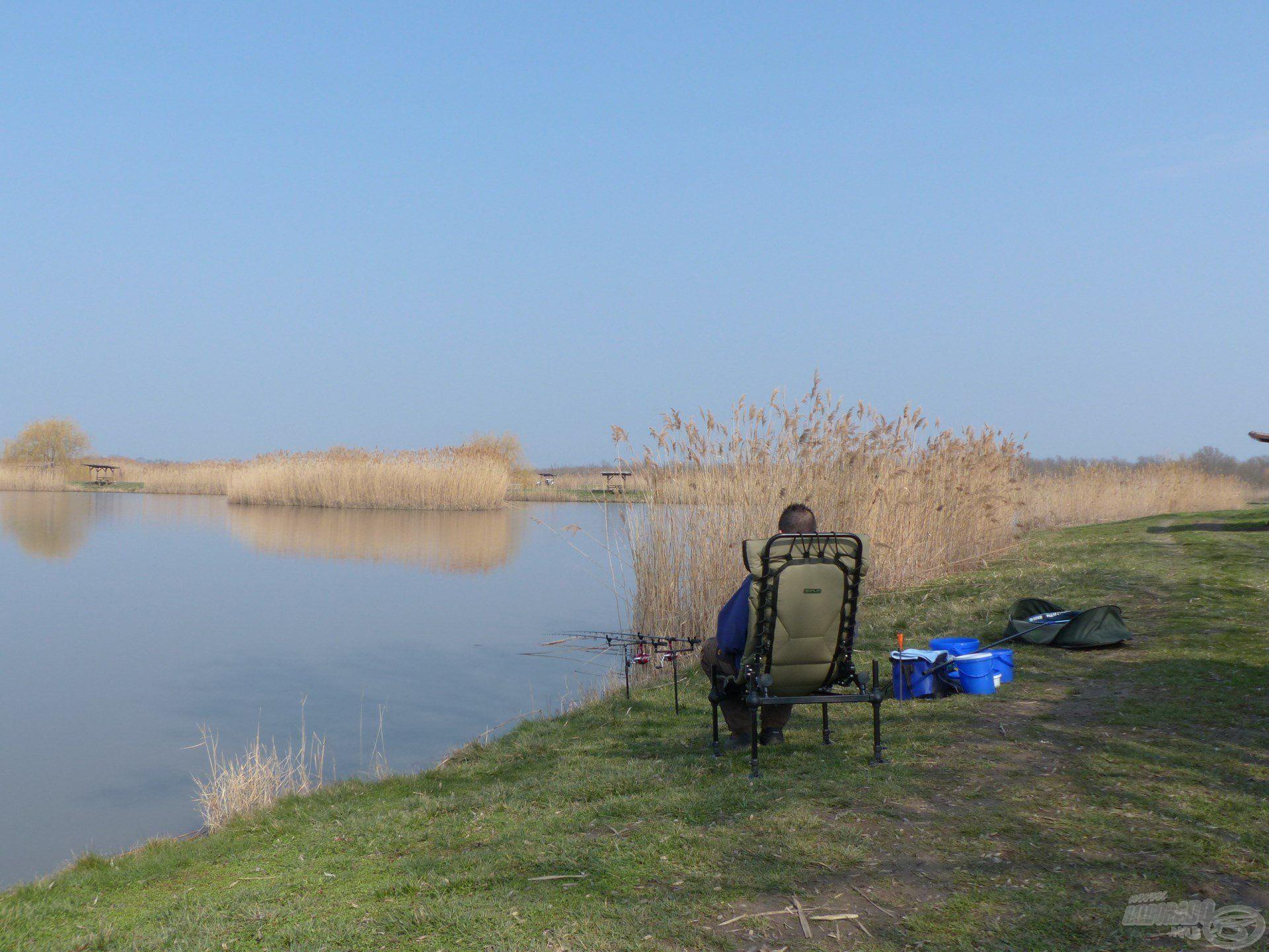 Szeretem ezt a tavat, ha lehetőségem és időm engedi, gyakran horgászom itt
