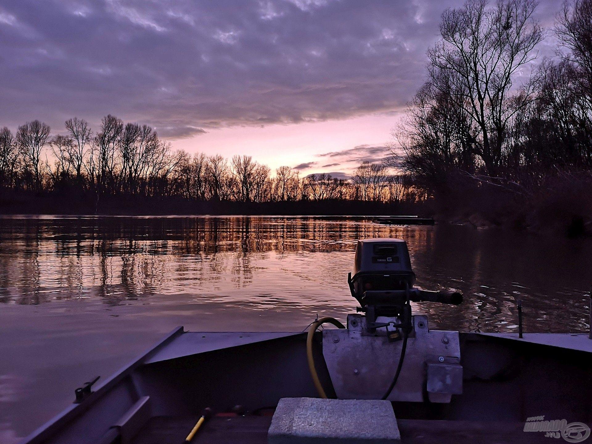 … és megnyugodni, lelassulni kicsit a folyó hátán
