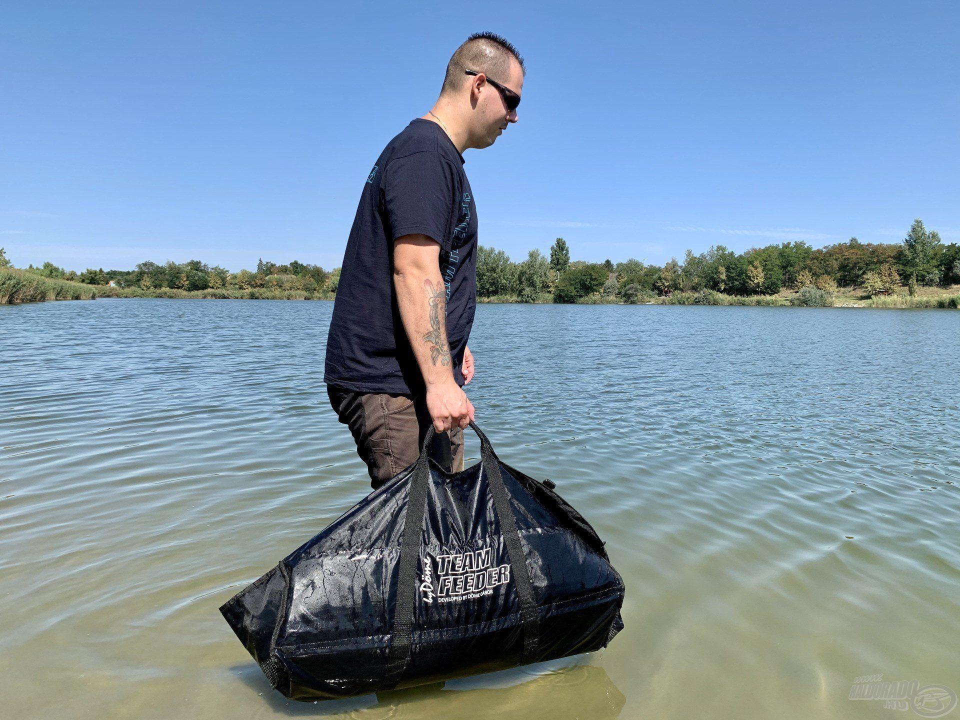 A By Döme TEAM FEEDER Merevfalú pontymatrac segítségével egy ilyen gyönyörű, termetes pontyot is könnyedén és biztonságosan vissza lehet helyezni a vízbe…
