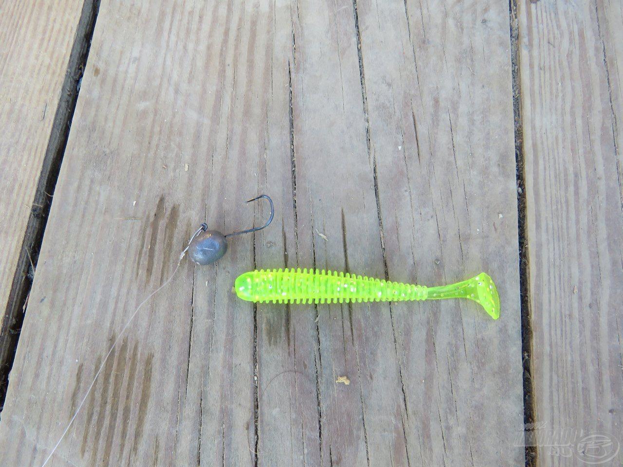 V-point micro jigfej és egy 7,5 cm hosszú Nevis Longer