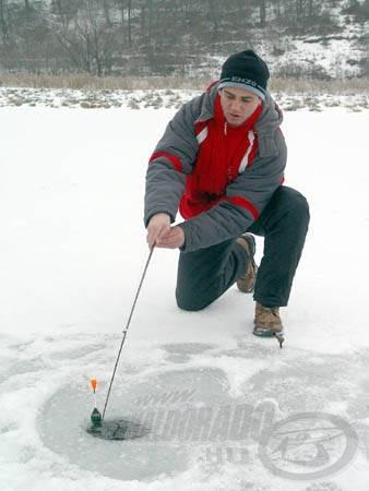 Öröm volt látni Attila ténykedését a jégen, minden porcikáján látszódott a horgászat iránti rajongása
