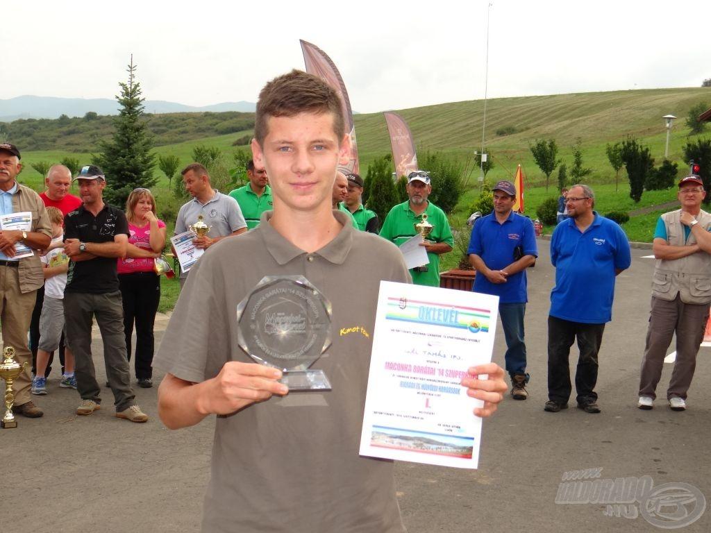 Maconka Barátai '14 Szuperkupa, ifjúsági bajnok, egyben a legjobb külföldi versenyző: ifj. Gál Tamás