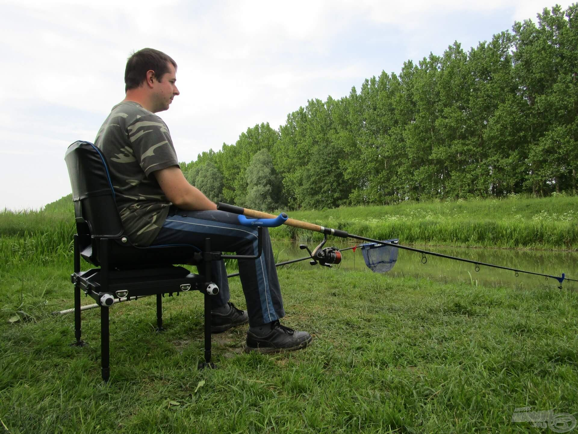 Közeledett a horgászat vége, de még vártam egy keveset, hátha horogra akad egy nagyobb példány
