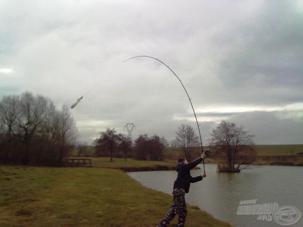A bomba úton van, megy a halakhoz!
