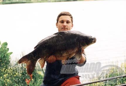 Végre sikerült kifognom egy 10 kg-on felüli pontyot a karós tóból. Az új taktika tehát bevált