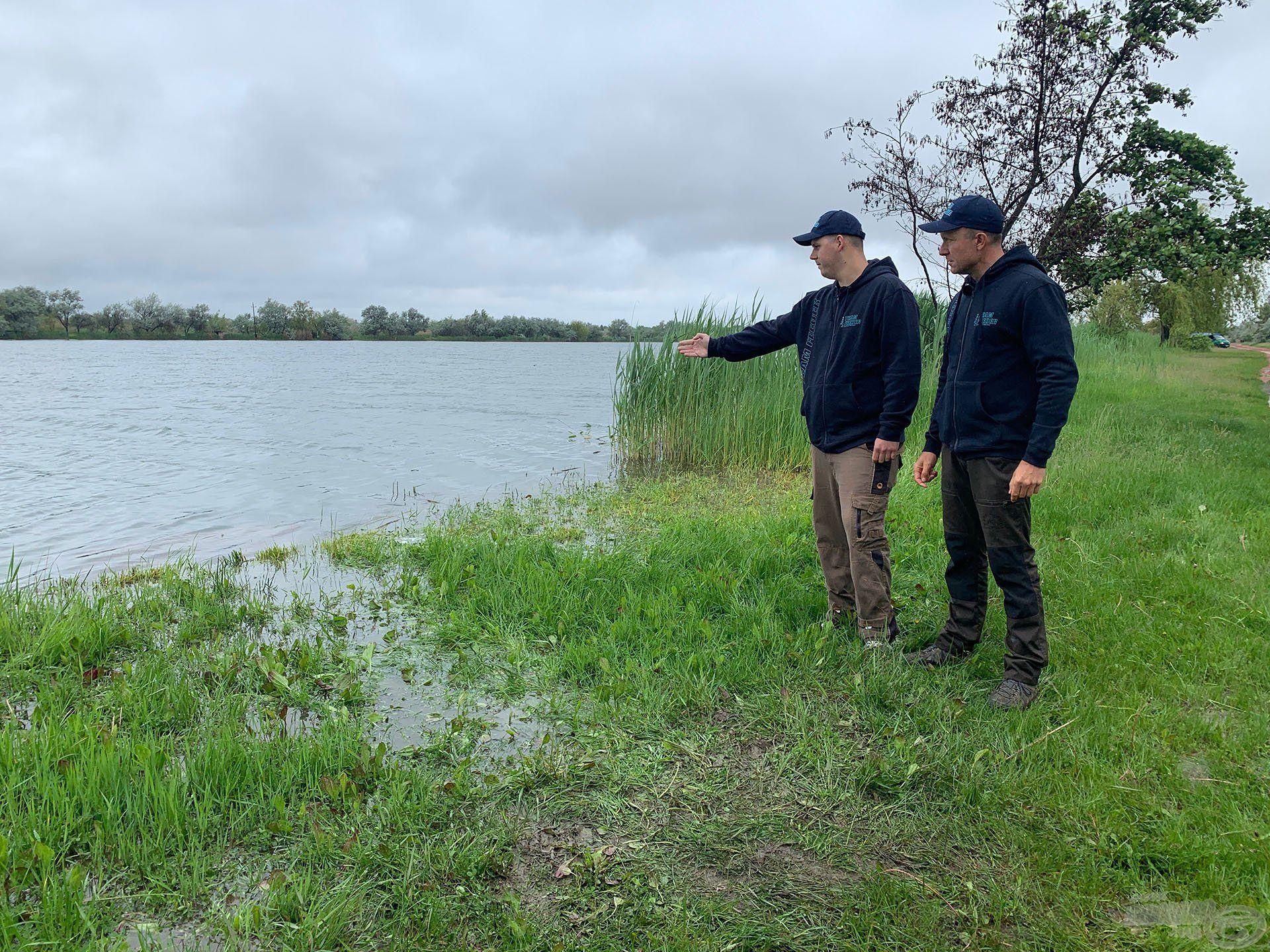 Soha nem horgásztam még itt, így a vízterületet jól ismerő Borbiró Ádám volt a segítségemre. A heves esőzések hatására a tó vízszintje megemelkedett, sőt egyes helyeken (mint például Ádám kedvelt helyén is) kilépett medréből