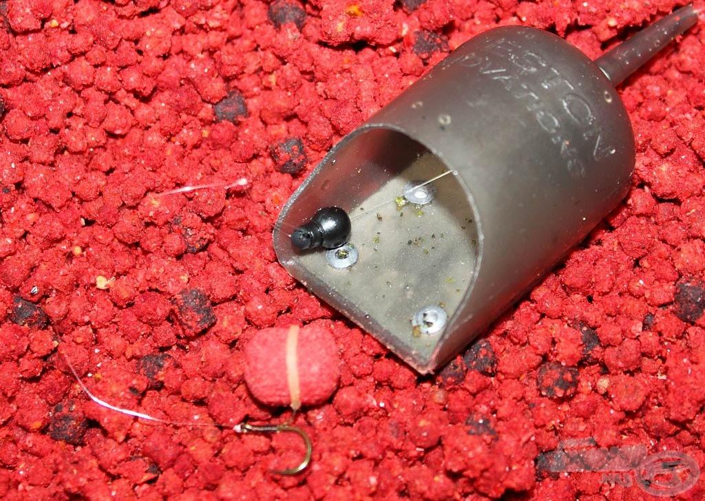 A Korum gyorsütköző gumis gyöngye kiváló gyorskapocs ehhez a kosárhoz is