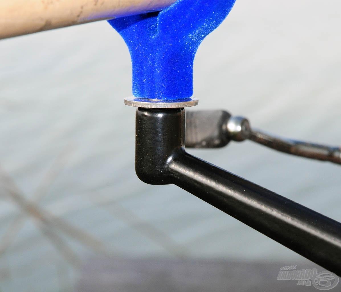 A menetes részek mindegyike acél, mely különösen tartós, nem fog néhány használat után a menet elkopni